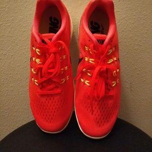 New Nike Women's LunarTempo 2